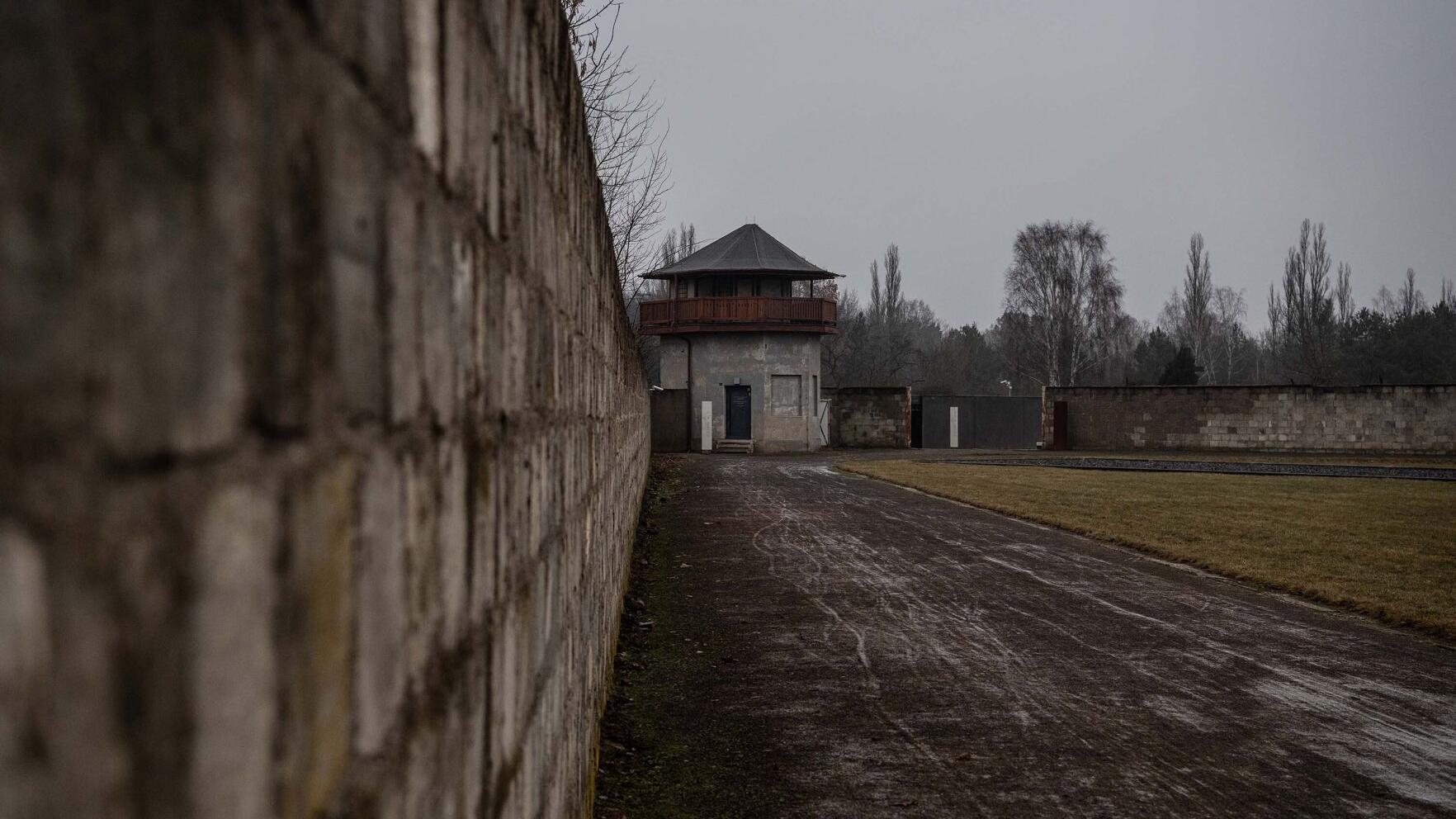 SuperSonic Radio - Un gardian SS de 100 de ani, acuzat în Germania