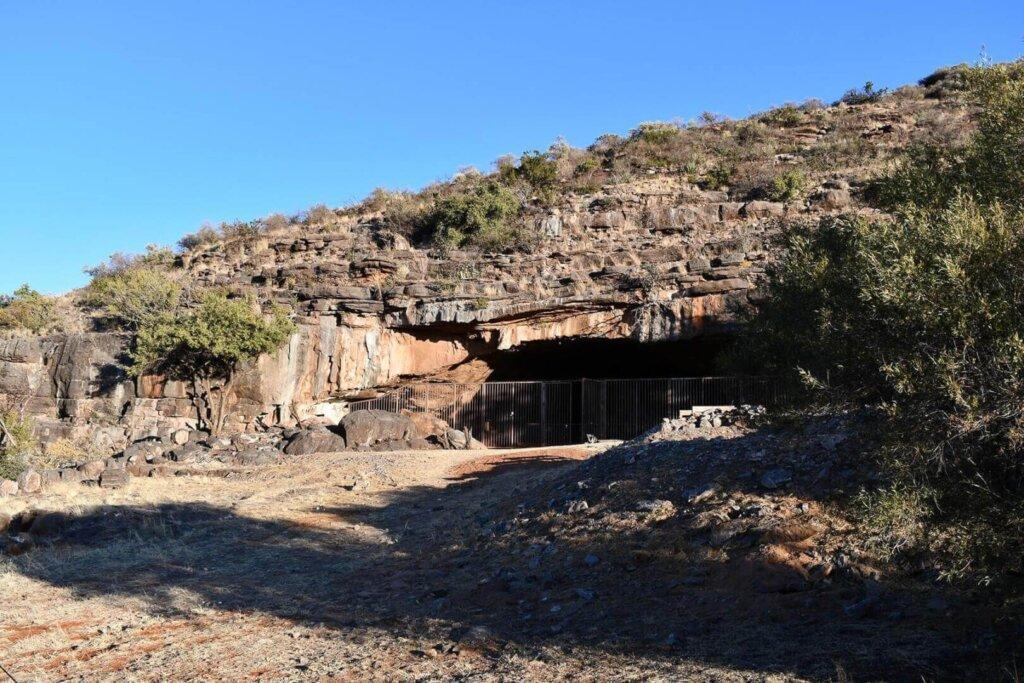 SuperSonic Radio - Africa: Cercetătorii au descoperit într-o peșteră cele mai vechi urme ale activității umane