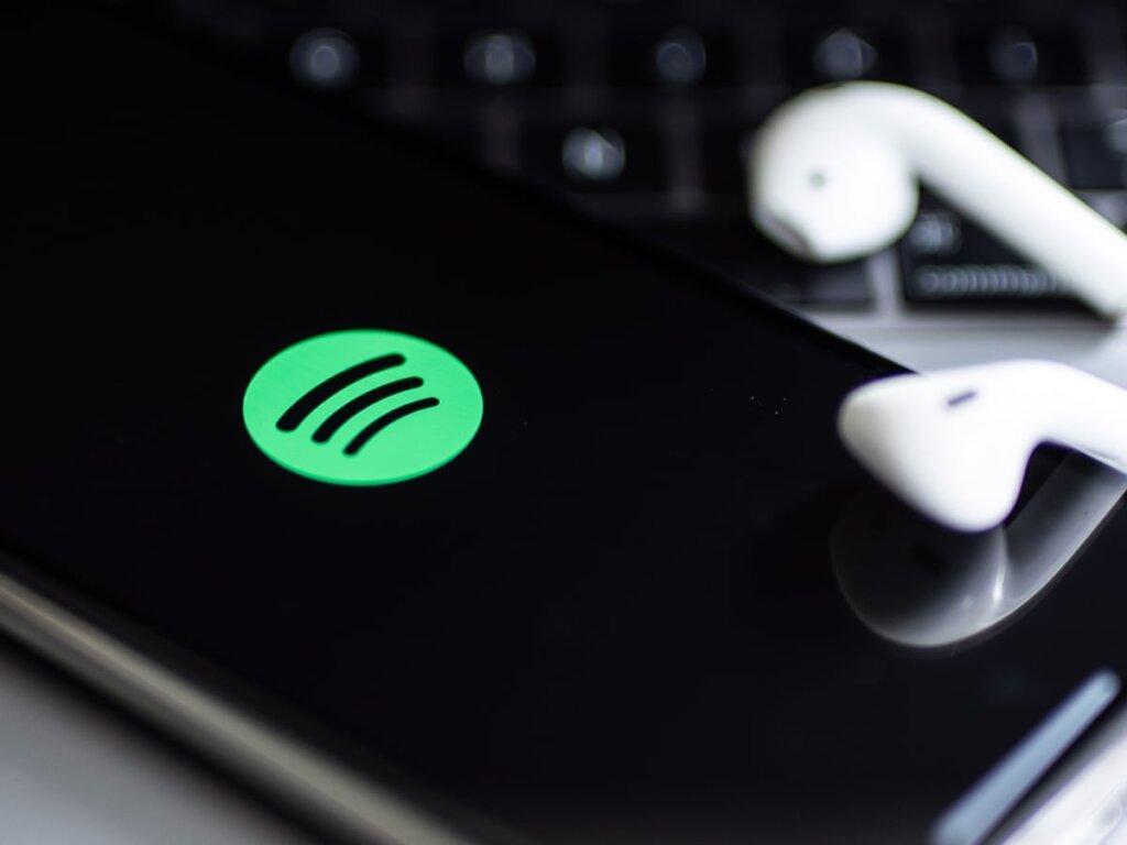 SuperSonic Radio - Spotify intenționează să facă angajări pentru a-și crește vânzările de advertising